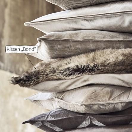 Bond – Kissen/Kissenhülle mit Abseite von Proflax