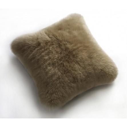 kleines kurzwollig, gelochtes Neuseeland-Schaffellkissen – Fellkissen 35 x 35cm von Auskin