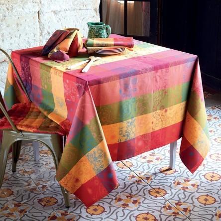 MILLE ALCEES LITCHI – Beschichtete Tischdecke von Garnier Thiebaut