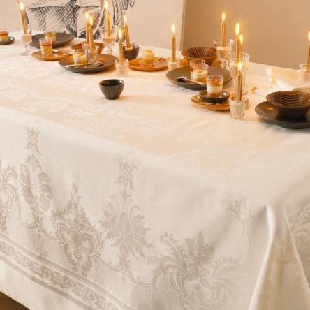 BEAUREGARD IVOIRE – Tischdecke von Garnier Thiebaut