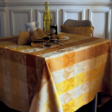 MILLE LOSANGES MIEL – Beschichtete Tischdecke von Garnier Thiebaut